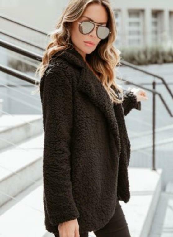 casaco teddy preto